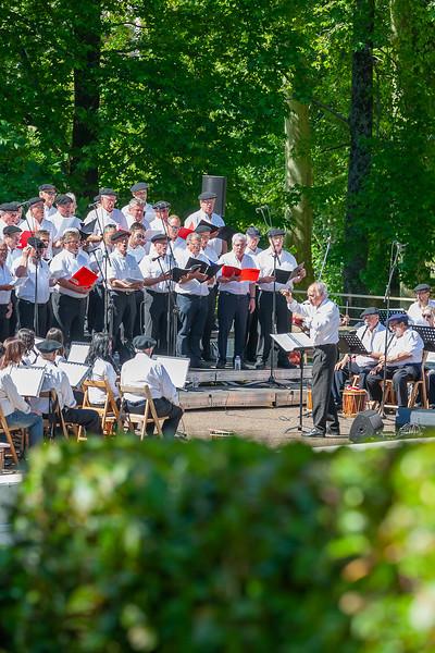 Kima VII : symphonie basque. Grand rassemblement de 200 participants : txistus et chorale. Ttxistularis, trikkis, joaldunak, groupe de chanteurs. Concert au Théatre de la Nature parc Ducontenia avec 80 txistu..