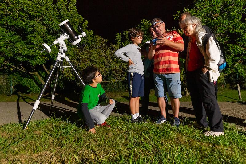 Animations nocturnes au jardin botanique littoral pour les Journées Européennes du Patrimoine. Ateliers nocturnes astronomie et insectes. Atelier « Observer le ciel : une affaire de lumière », par la Société d'Astronomie de la Côte Basque.