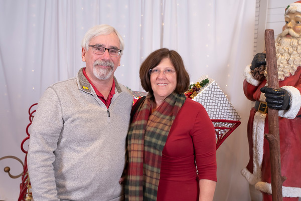 20191202 Wake Forest Health Holiday Provider Photo Booth 024Ed
