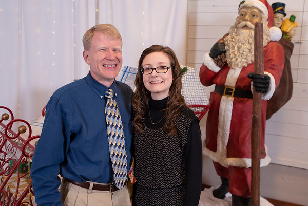 20191202 Wake Forest Health Holiday Provider Photo Booth 010Ed