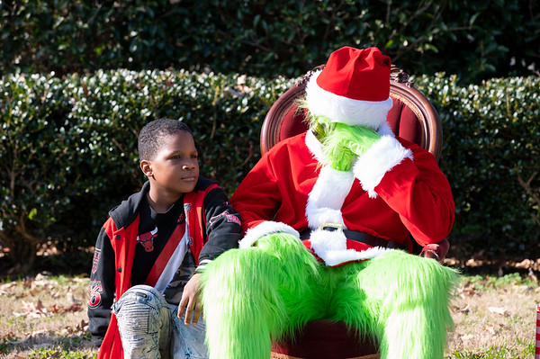 20201212 Honorable Youth Grinch Photos 026Ed