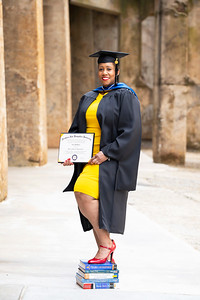 20210425 Alicia Hymes Graduation Cap Gown 025Ed