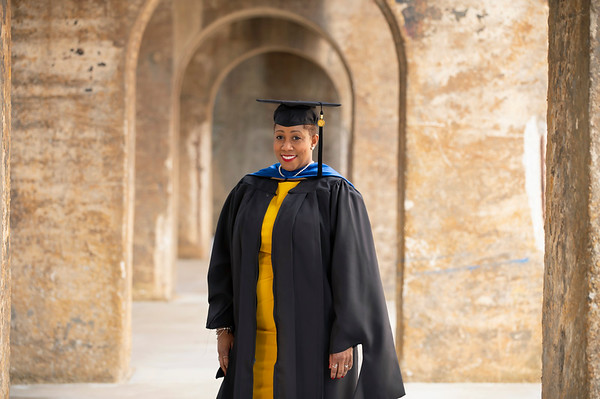 20210425 Alicia Hymes Graduation Cap Gown 002Ed