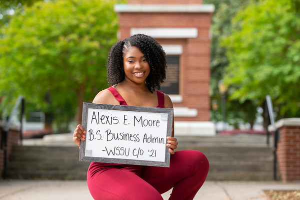 20210511 Alexis Moore Cap and Gown 015Ed