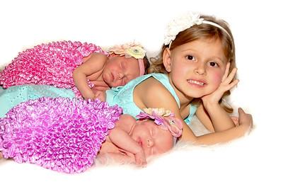 Ava & Sariah - Newborn