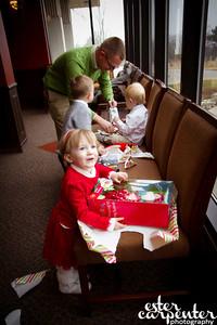 20121216 MCC Santa Portraits-8426-Edit