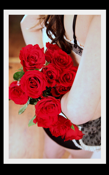 Vday GIFT certificate ~  Special $100 (Reg $150) <br /> <br /> Girls ~ <br /> have you been thinking about sEXy photos?<br /> has your man hinted for photos of you??<br /> you don't have a gift for your Valentine yet???<br /> what to feel SEXY?<br /> <br /> Give him a Gift Cret. for a SeXY shoot of you!!!<br /> <br /> Boys<br /> Would you love to see SEXY photos of your lady? <br /> you dont have a gift for your Valentine yet???<br /> what some romance?<br /> <br /> Let her know how AMAZING you think she is  by giving her a sexy photo shoot  ~  You both will enjoy it I promise!!!<br /> <br /> contact me for more info