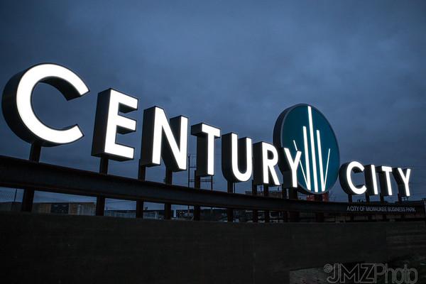 POBL-CenturyCity-night-20160222-5-edit