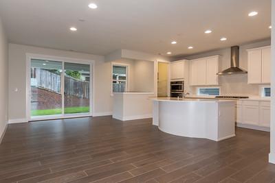 Marinwood_Homesite33_KitchenDining