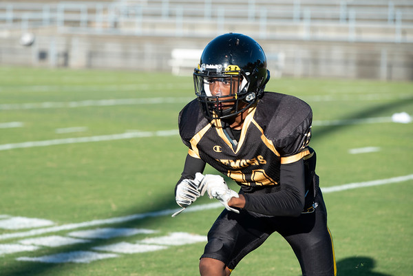 20191010 RJR JV Football vs Davie 002Ed