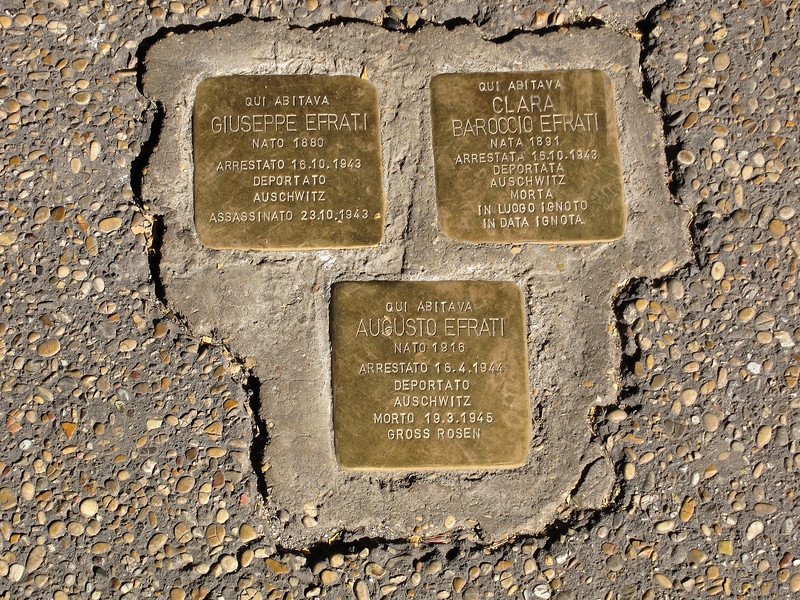 Memorial plaques to Jewish deportees (outside our apartment)