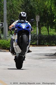 Freddy, Sportbike Wheelie - Photo by Dmitriy Shpurik .com