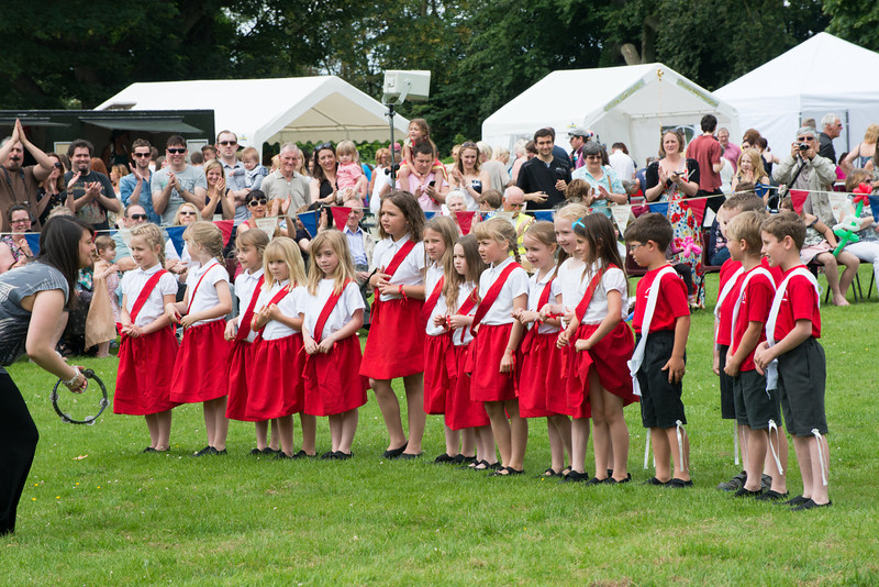 Thelwall Rose Queen 2014-302