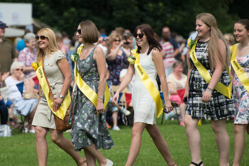 Thelwall Rose Queen 2014-208