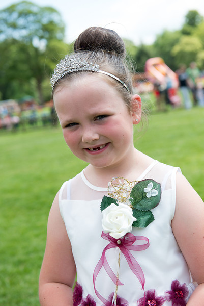Thelwall Rose Queen 2014-14