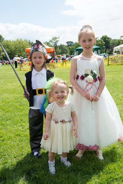 Thelwall Rose Queen 2014-9