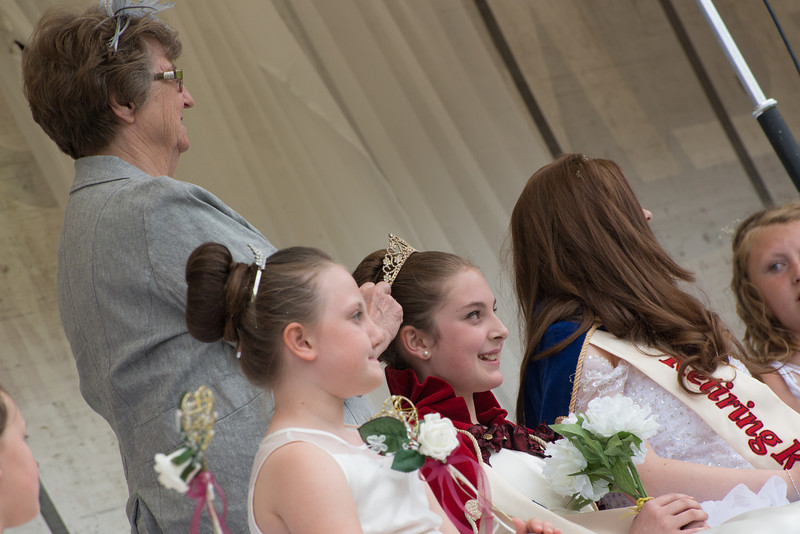 Thelwall Rose Queen 2014-261