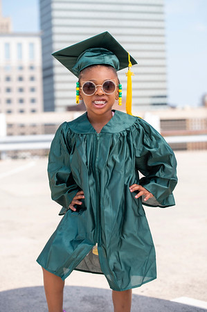 20210525 Gigi Graduation Cap Gown 006Ed