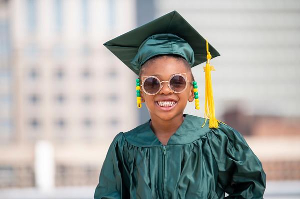 20210525 Gigi Graduation Cap Gown 009Ed
