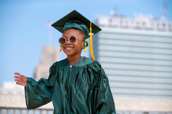 20210525 Gigi Graduation Cap Gown 052Ed