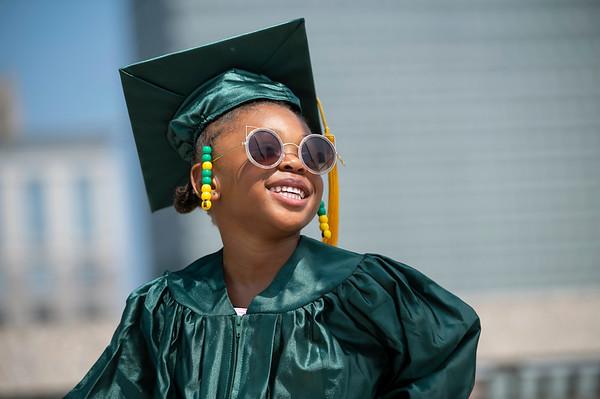 20210525 Gigi Graduation Cap Gown 031Ed