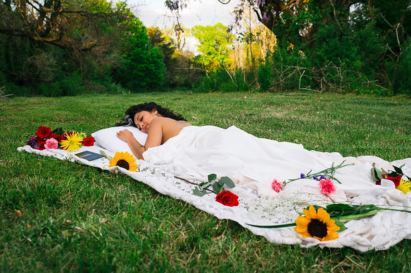 20210413 Vanessa Bed Flowers 011Ed