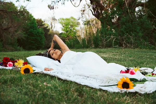 20210413 Vanessa Bed Flowers 008Ed