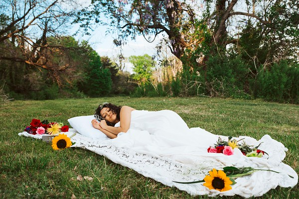 20210413 Vanessa Bed Flowers 004Ed
