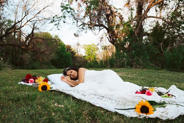 20210413 Vanessa Bed Flowers 005Ed