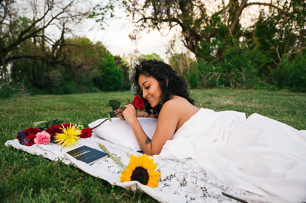 20210413 Vanessa Bed Flowers 018Ed