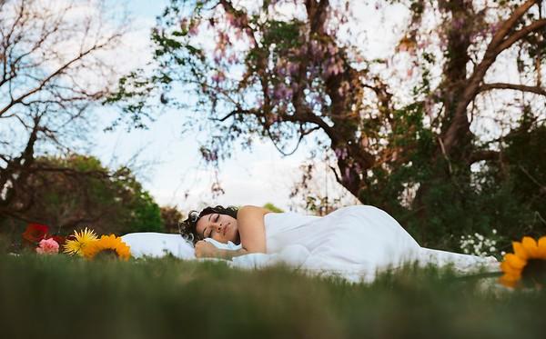 20210413 Vanessa Bed Flowers 006Ed