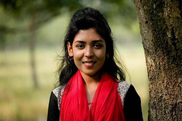 01-Nomita Chowdhuri (18), Radio MAHANANDA 98.8 fm; Chapainawabgonj District, Bangladesh.