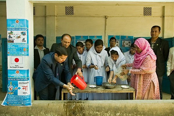 UNICEF-RR-HandWash -0498-0516  Chef Guest Mr. Pronoy Chakma (UNO) also demonstrating how to wash hand properly and also Students from the Ramu Girls High School participated on the demonstration of Hand Wash Program during Host Community Project for Hand Wash and Child Marriage Awareness campaign opening session inside the Ramu Girls High School. Ramu Upojila, Cox's Bazar. Photo: b.a. sujaN / UNICEF / Map