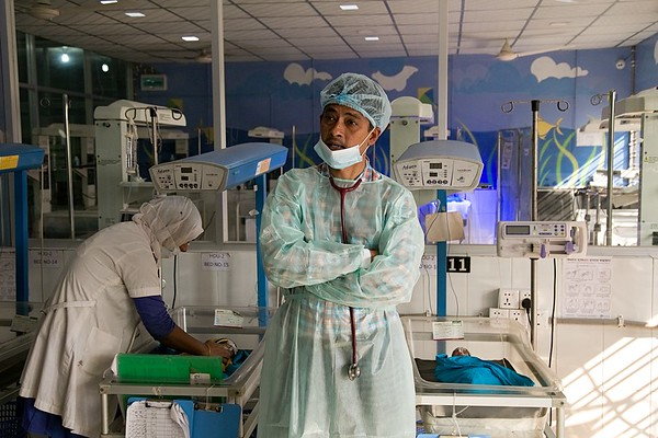 SCANU Cox's Bazar General Hospital  UNICEF-SCANU-0662-0666  DR. M S Zaman, Assistant Professor (Paediatrics) explain the situation of SCANU. Cox's Bazar General Hospital Photo: b.a.sujaN / UNICEF / Map  UNICEF supported the establishment of the Special Care Newborn Unit (SCANU) in Cox's Bazar District Hospital in 2012. Specialized newborn care can reduce newborn deaths by 30%. Over 3,300 babies were admitted to SCANU in 2018, including 245 Rohingya newborns. 86% of sick newborns admitted to SCANU survived in 2018. UNICEF is continuing its support to the National Health Programme to expand the reach of SCANU across all 64 districts in Bangladesh and continue to improve the quality of care delivered.