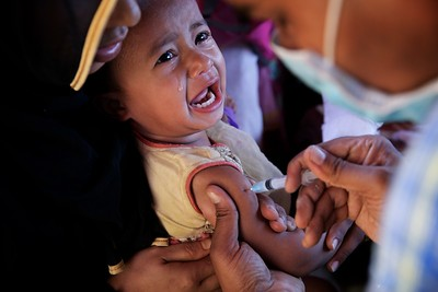 0023-0026-UNICEF-sujaN-Map-21-12-2017  Rohingya refugee children, between 6 weeks and 6 years of age, are provided diphtheria vaccines from 12 UNICEF-supported immunisation points at Bormapara in Cox's Bazar, Bangladesh.  Photo: UNICEF/b.a.sujaN/ Map