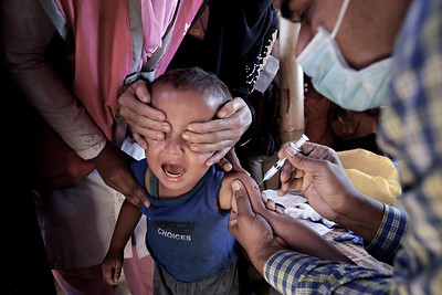 0016-0020-UNICEF-sujaN-Map-21-12-2017  A UNICEF-supported vaccine drive provides Rohingya children, between 6 weeks and 6 years of age, protection against diphtheria at Bormapara of Bangladesh's Cox's Bazar district.      Photo: UNICEF/b.a.sujaN/ Map