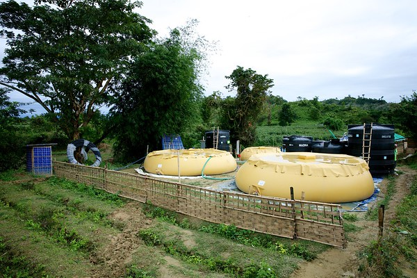 0610-0627  In the absence of groundwater, a water treatment plant at Teknaf's remote Unchiprang area supplies pure drinking water to Rohingya refugees after sourcing it from a natural stream. The project is funded by UNICEF and implemented by OXFAM.  Photo: UNICEF / b.a.sujaN/Map