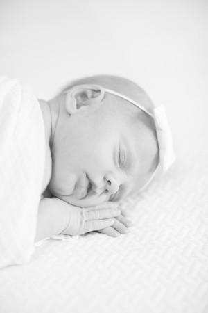 018_Eden_NewbornBW