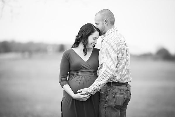 055_Sara_MaternityBW
