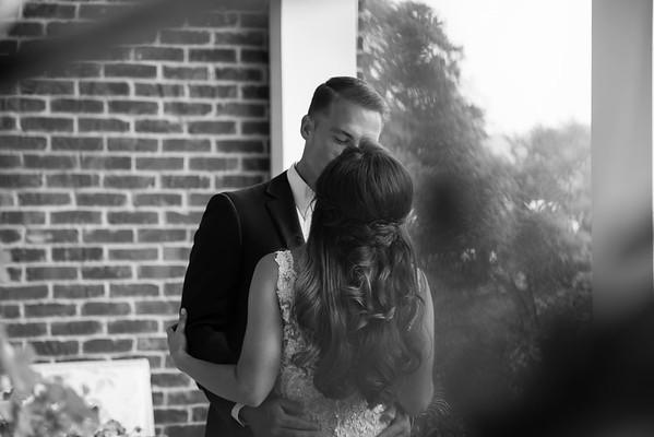 192_Daniel+Mia_WeddingBW