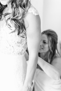 4_Mitchell+Madelyne_WeddingBW