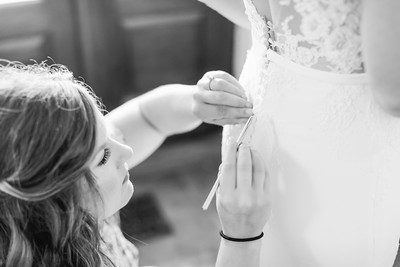 12_Mitchell+Madelyne_WeddingBW