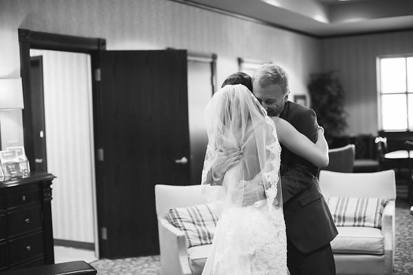 0066_Zach+Emma_WeddingBW