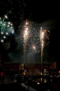 Glos_Fireworks031112_011