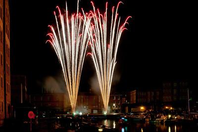 Glos_Fireworks031112_003