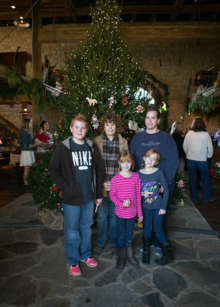 Brinkmann Tree Trim Family Portraits 2013 (40 of 40)