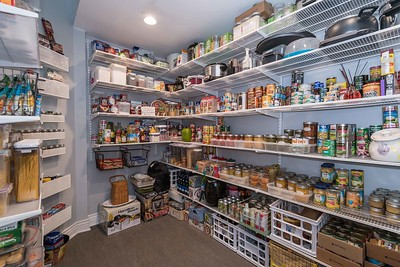 Barn Door Pantry (5 of 9)