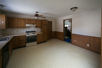 Griffith Before Kitchen-38359