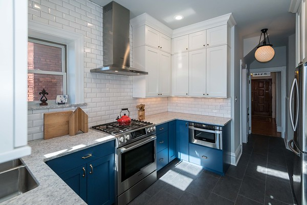 Next Project Studio - Blue and White Kitchen (5 of 19)