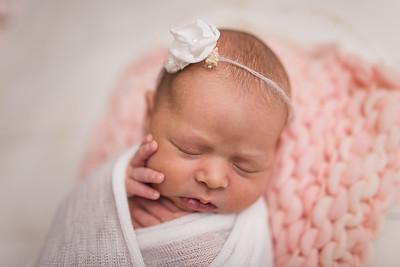 Kaylyn Newborn-19